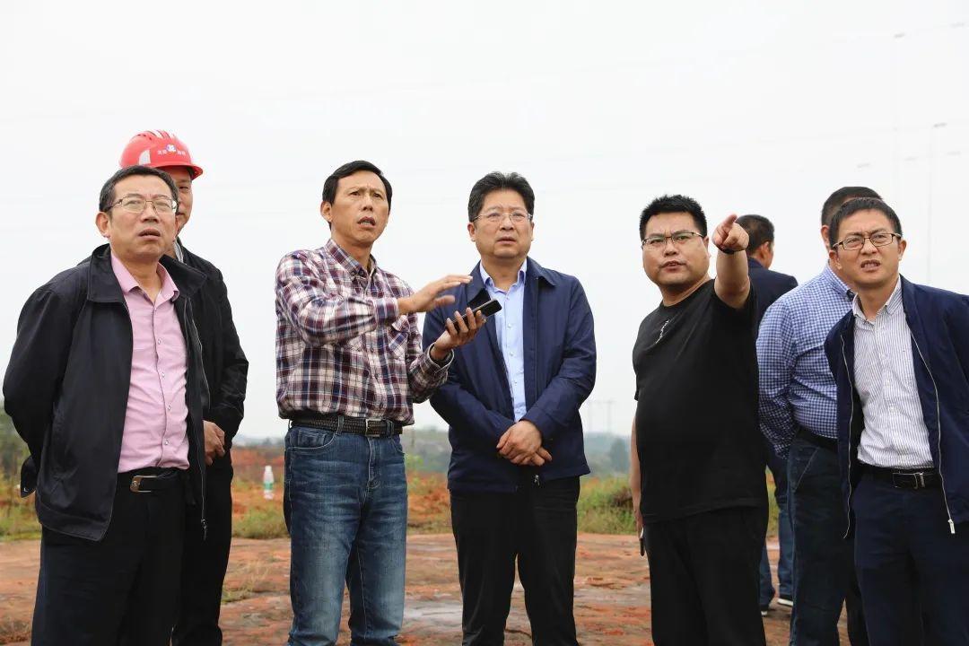 谢益阳县委书记考察G320沪瑞线襄阳珠坑至