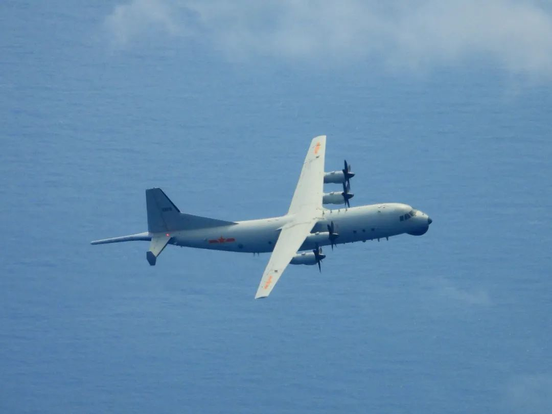 台媒臆测:中美军机最近距离PK!