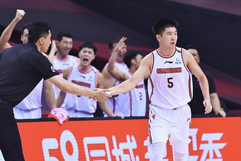 CBA新赛季首轮对阵出炉,广东队首战东道主浙江队