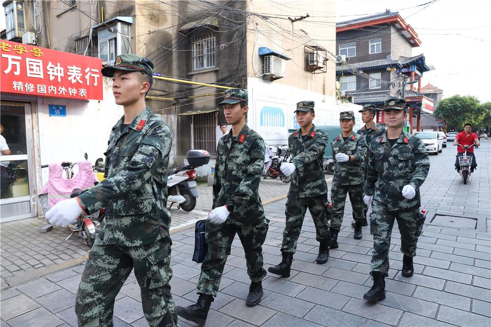 连云港海州街:弘扬文明将为警民建立和书写新篇章
