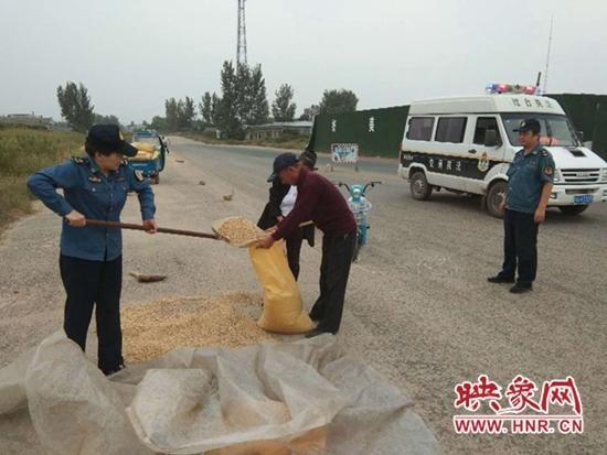 西平县交通运输局执法所全力做好节前路域环境整治工作