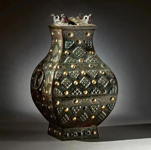 成交价逾5000万元人民币!战国的青铜方壶为何这么贵?
