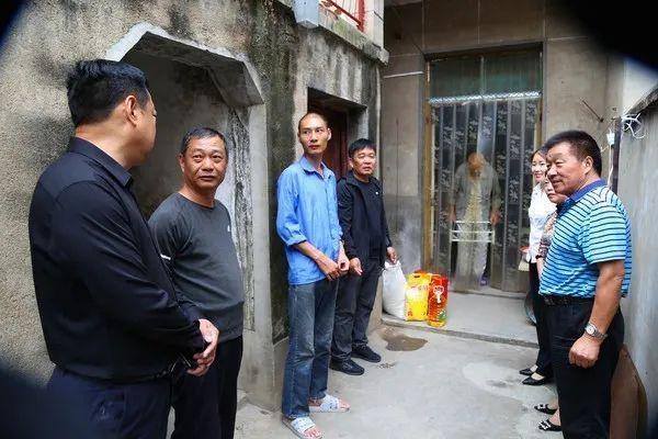 <strong>【县焦点】中秋节期间 CPPCC涡阳县成员进</strong>