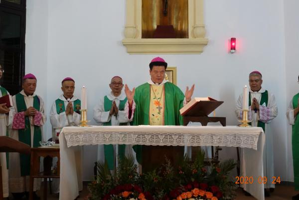 广东省天主教五大教区主教齐聚韶关天主堂举行感恩圣祭
