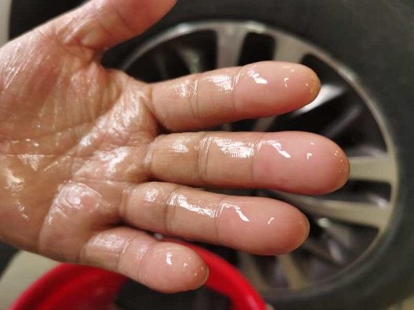 打磨到指纹消失 进博会服务车辆背后的匠心保障