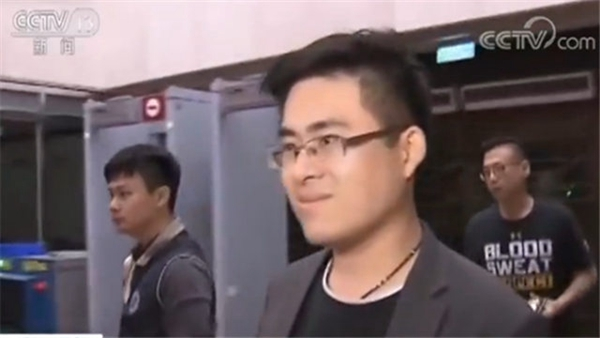 """王炳忠:民进党""""双标""""打脸野蛮欺骗所为何来?"""
