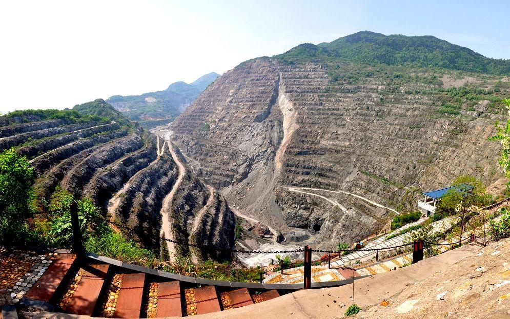 湖北黄石废石场种百万株刺槐 成为亚洲最大硬岩复垦基地