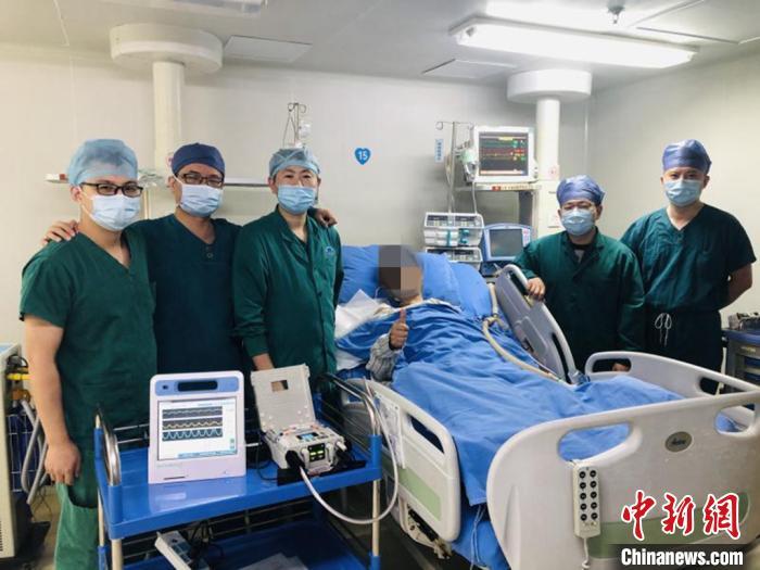 手术成功后,患者点赞协和医院医疗团队。 福建医科大学附属协和医院 供图