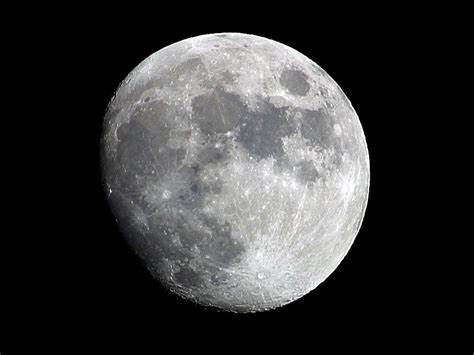 资料图片:月球。(今日俄罗斯电视台网站)