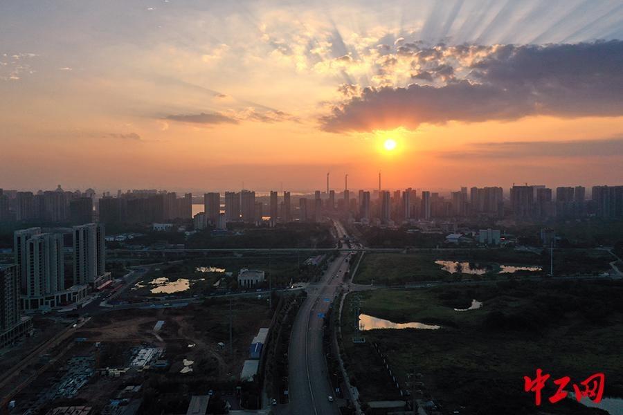 """武汉""""阳逻之心"""" 展示智慧城市新貌"""