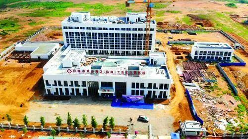 <strong>铁山港区(临海)工业区人民医院揭牌成立</strong>