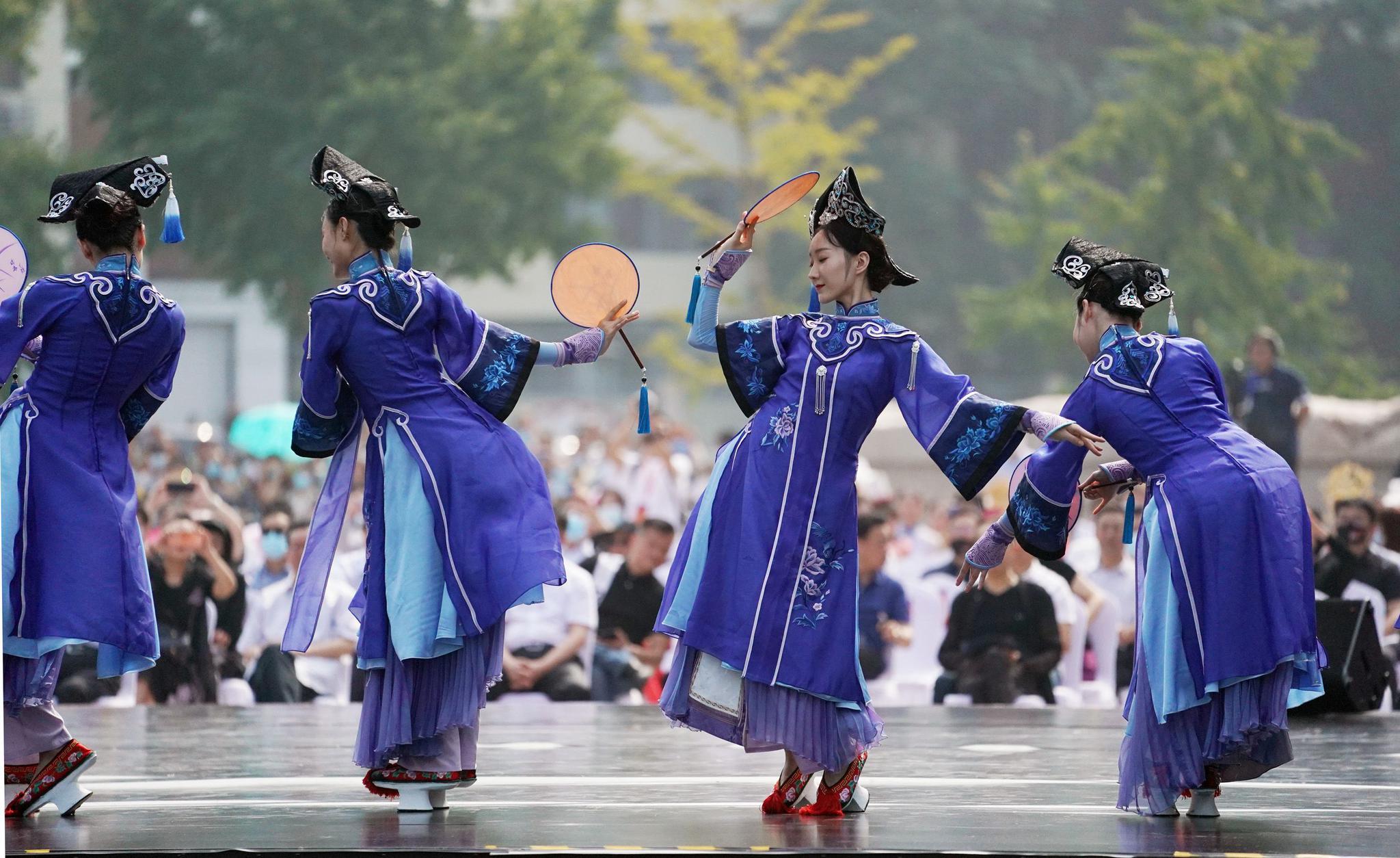 首届中关村舞剧节开幕,户外八小时舞不停
