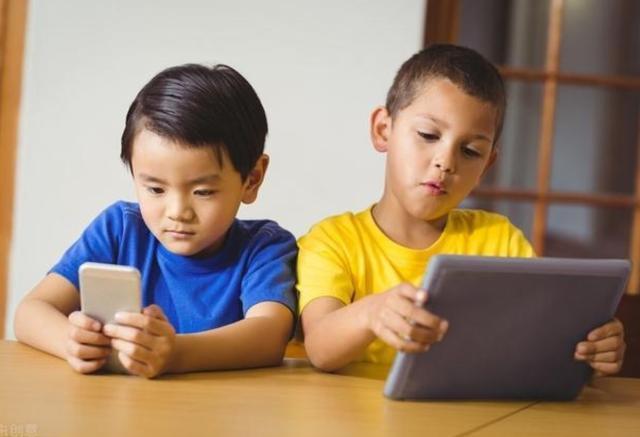 马斯洛需求模型:孩子游戏成瘾是因为贪玩?其实娃在意的不是玩