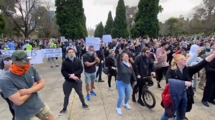 澳大利亚爆发反封锁抗议。(图源:今日俄罗斯)
