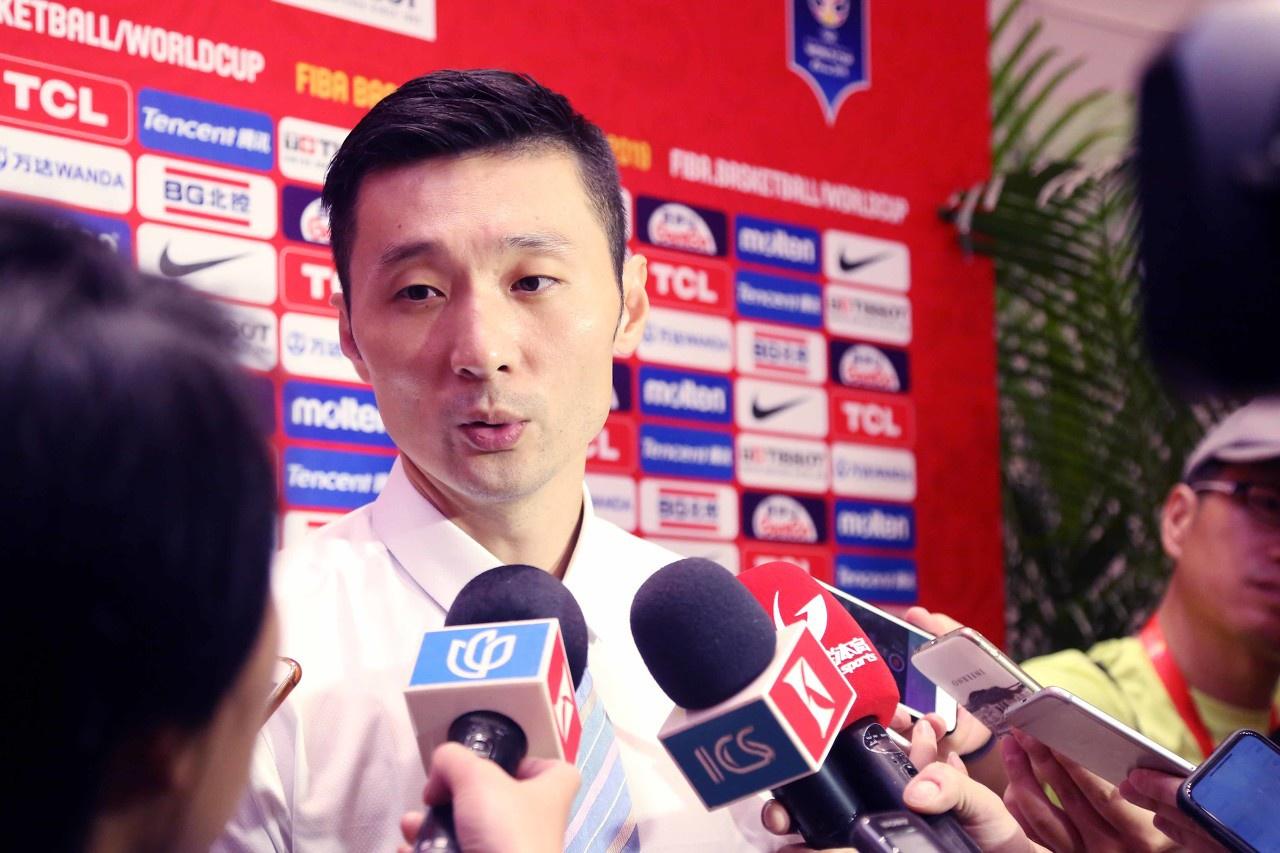 沪媒:刘炜主动担任助教 上海引进知名外教执教