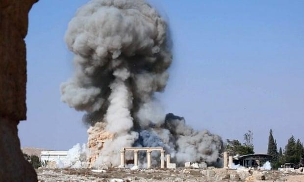 """2015年8月,巴尔米拉神庙等遗迹被极端组织""""伊斯兰国""""炸毁"""