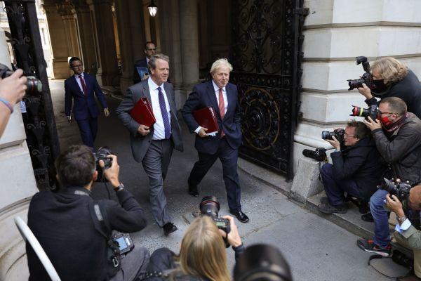 """威胁退出谈判 英国首相约翰逊向欧盟下""""最后通牒"""""""
