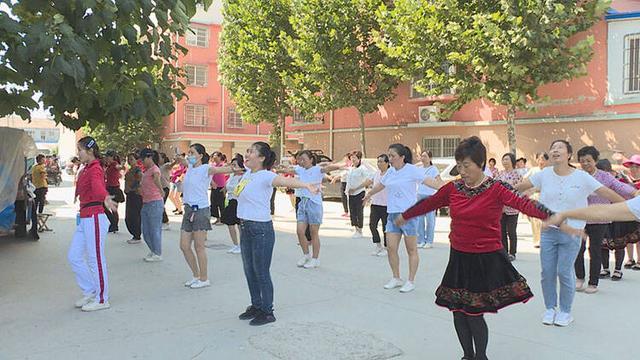 菏泽市单县:举办广场舞公益培训助力农村