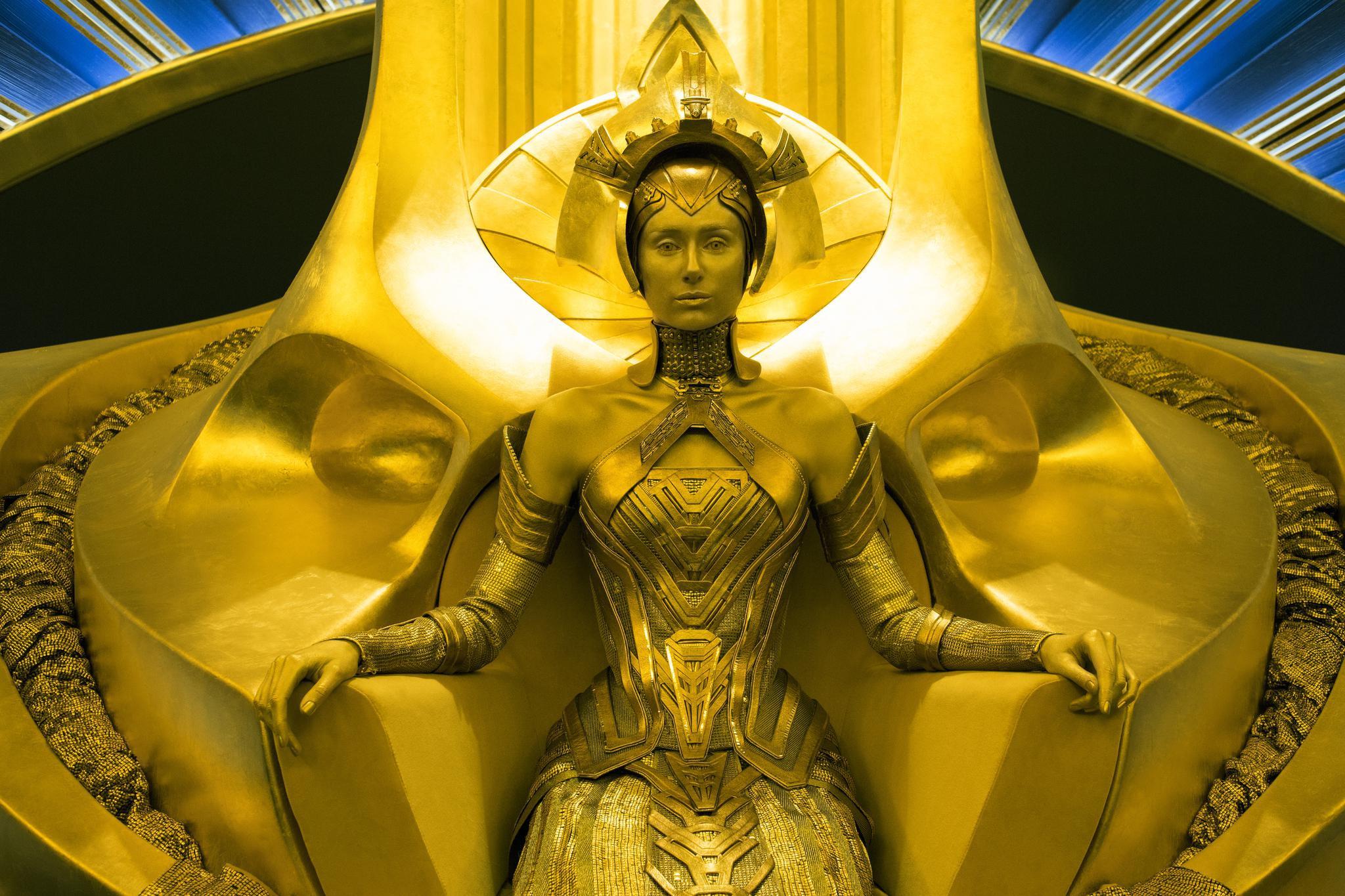 """《信条》中身高1米9的女主角,差点被""""脸盲""""的诺兰错过丨人物"""