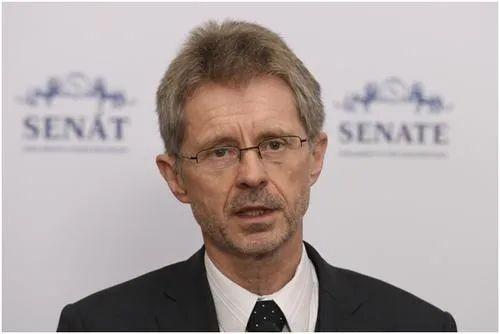 捷克参议长赴台作秀回国后,翻脸了