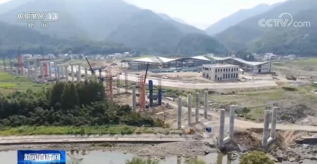 安徽芜黄高速已全面恢复建设 确保路基工程年底前贯通