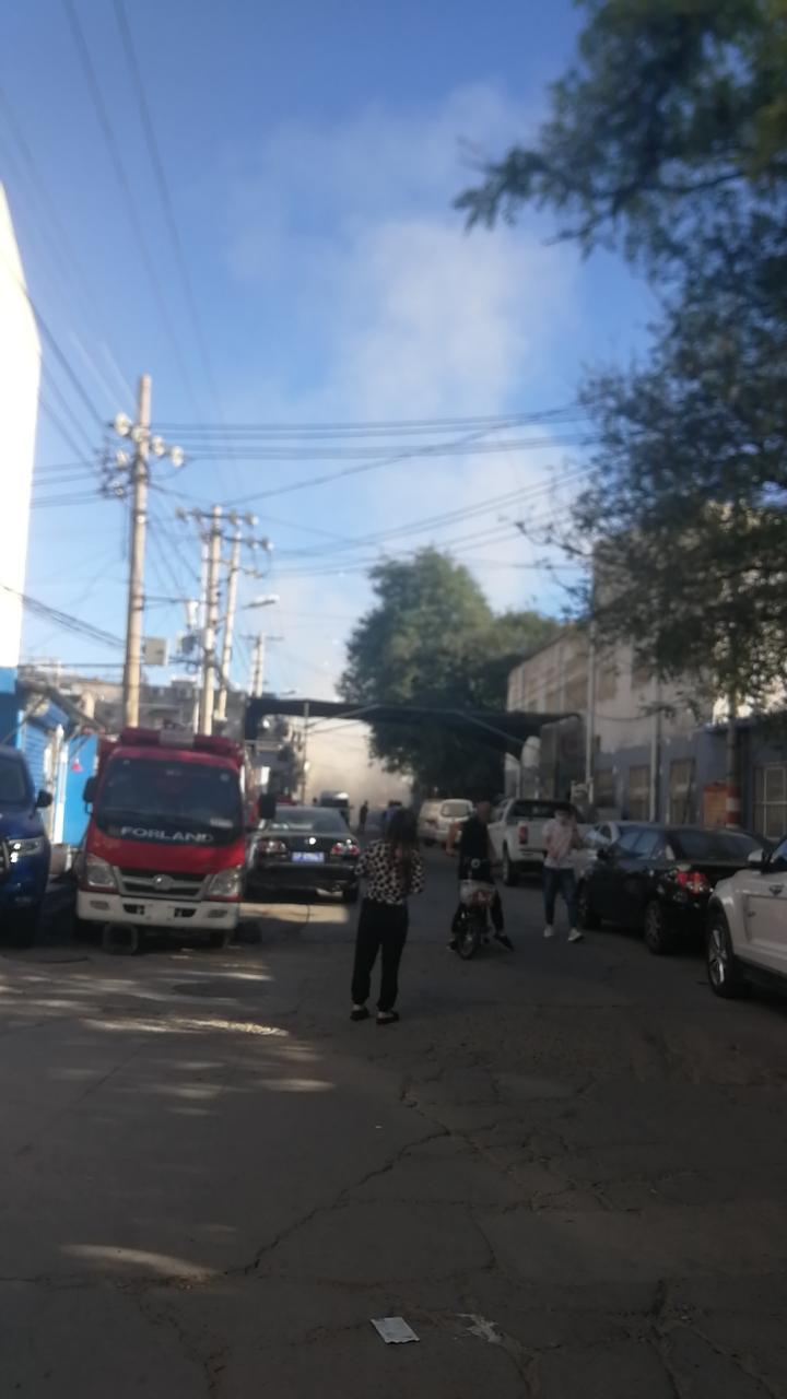 通州马驹桥附近一餐馆发生爆炸,目击者称有人员受伤图片