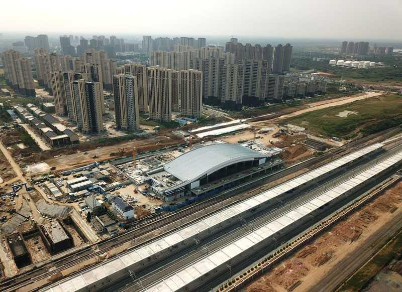 安徽肥西:繁忙的火车站建筑施工