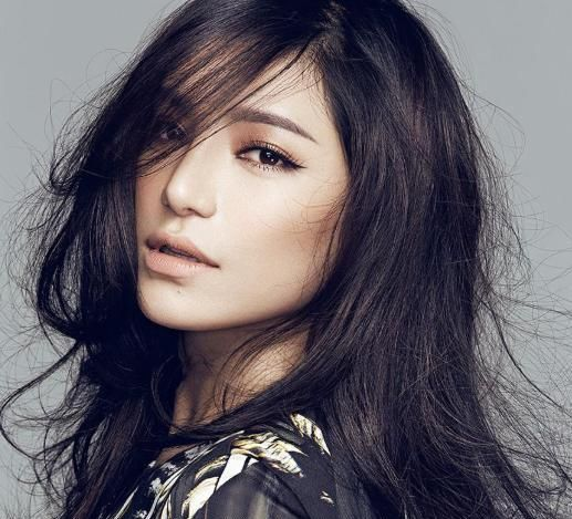 快女冠军江映蓉,整容后撞脸遭吐槽,网友:只有眼珠是真的了