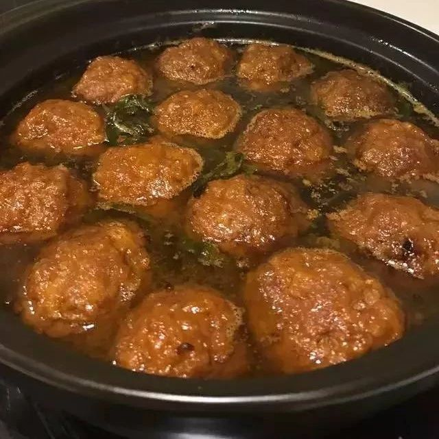 大厨教你在家做又香又嫩的红烧狮子头,一天不吃馋的慌!