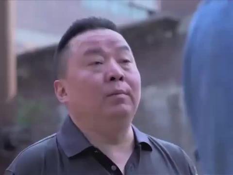 影视片段:胖子让老周跟自己去警局铁成跟许飞总算是和好了