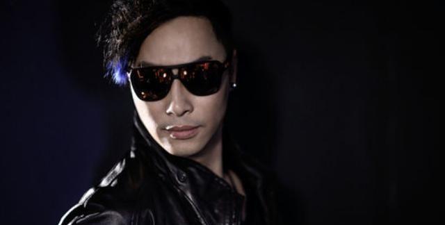 既是歌手又是演员的谭耀文,19岁还做过武师,如今也已经年过半百