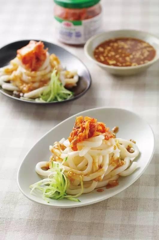 吃货美食:蒜香基围虾、孜然双脆、辣梨酱拌乌龙面、鱼香杠上花