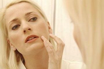 冬季皮肤干燥、脱皮、发痒,该如何正确的养护?