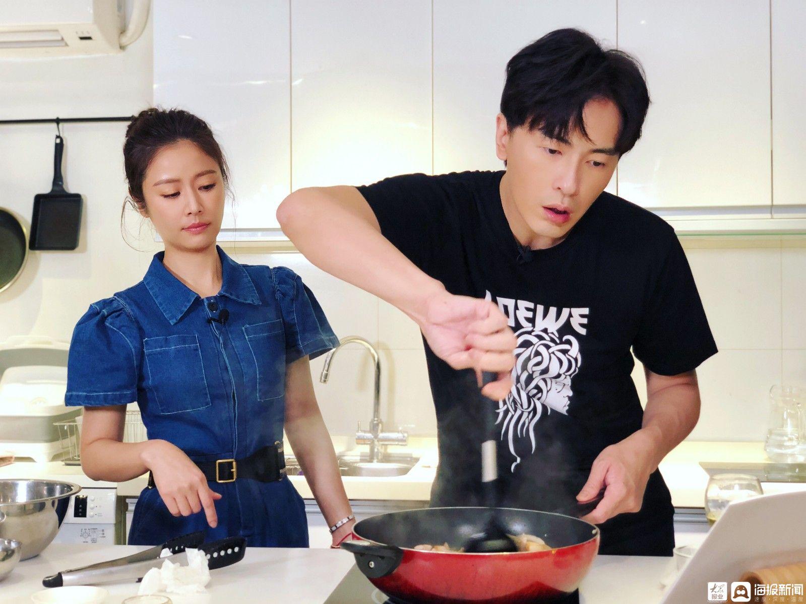 """郑元畅林心如嗨煮2021!不专业厨房变身""""斗嘴""""厨房"""