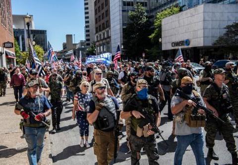 特朗普下台前:发动军事政变不可能,但美国陷入内战则有可能