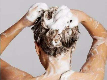 洗完头发还是油腻腻,洗发水,护发素怎么用!
