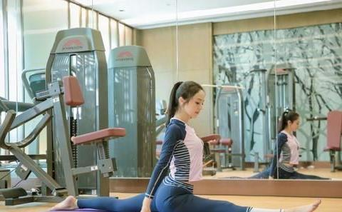倩狐减肥分享5个瑜珈动作!消除斜方肌,矫正体态