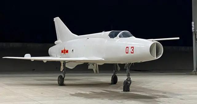 歼-12空中李向阳,当年差点被发展成轻型隐身战斗机