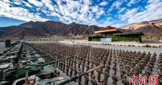火力全开 西藏军区举行2021年首训