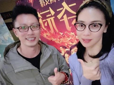 魏秋月老公袁灵犀,是中国女排国家队陪打教练,也是天津女排助教
