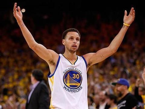 库里30+9+8三节打卡福克斯18分 NBA勇士7人上双胜国王