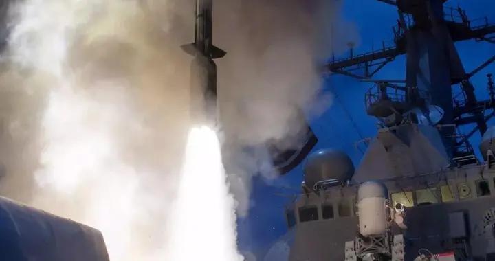 美国空军新创意,把海军巨大防空弹搬上战斗机,当远程空空导弹用