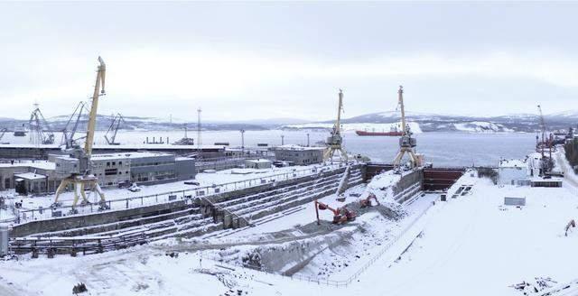 俄军唯一航母大修一再遇麻烦:干船坞扩建又被廷误,不如请别人修