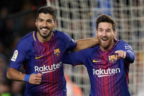 11球!苏亚雷斯本赛季进球数超越梅西,登顶西甲射手榜