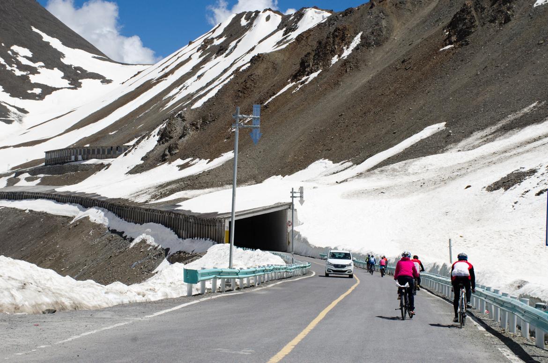 比川藏线更惊艳的公路,每年只开放5个月,长562公里修了9年