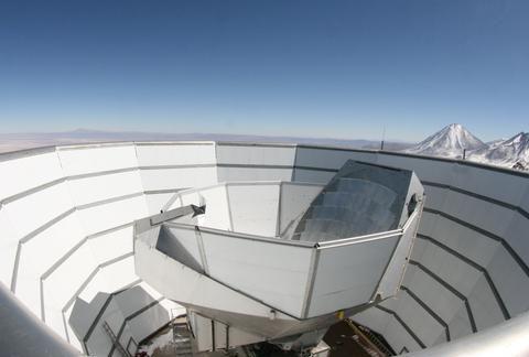 天文学家用阿塔卡马沙漠望远镜计算宇宙的年龄