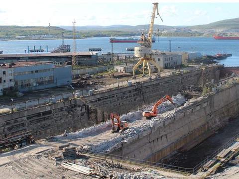 库兹涅佐夫号大修进度落后于扩建干船坞工程,一查不是没钱惹的祸