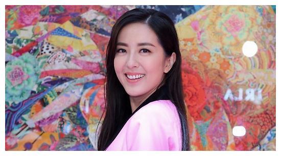 "TVB小花军团迎来大洗牌,邓佩仪首当女一,新任""明嫂""地位大涨"