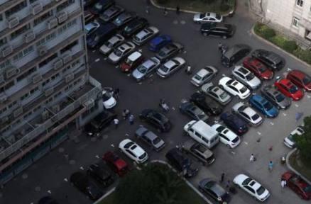 新手上路万万要学会这两种停车技巧,掌握好了分分钟成老司机!