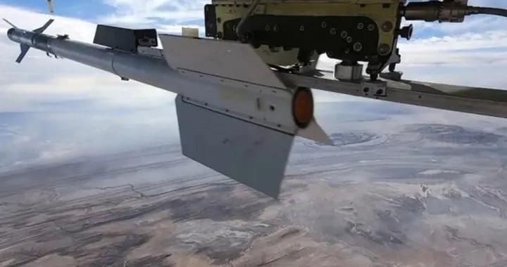 伊朗无人机试射空空导弹,美媒:拦截它更危险了